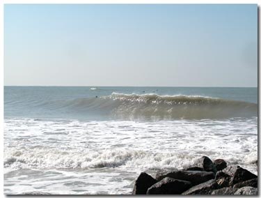 winter swell breaking in blind pass.jpg